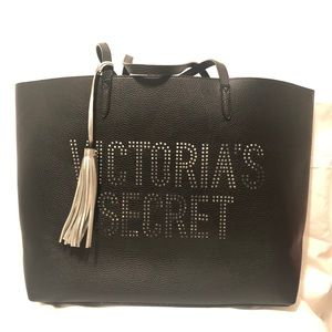 NWOT Large tote with tassel